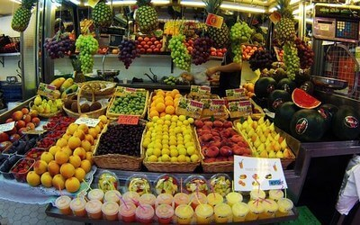 fruits valencia market