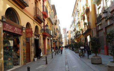 visit valencia old town